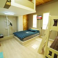 YOLO Guesthouse